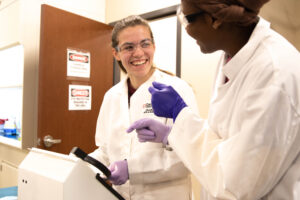laboratory-science-davenport-university